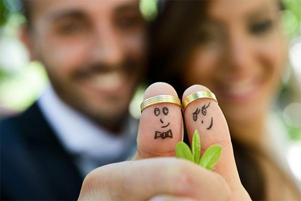 Glückliches Paar Finanzierung bei KE Immo